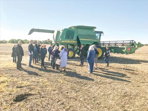 Will, Kane County farmers host industry reps